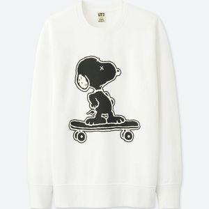 Uniqlo x Kaws Kids Snoopy White Sweatshirt Size 7-8